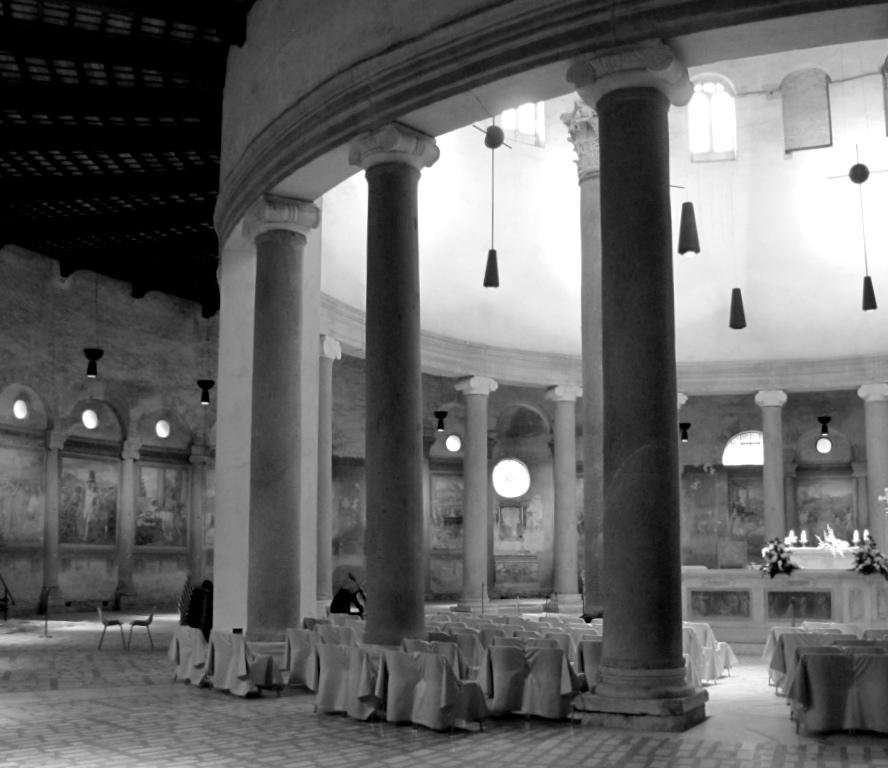 La chiesa di Santo Stefano Rotondo era in origine un battistero?